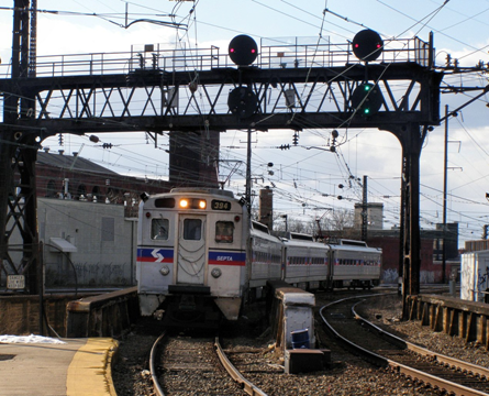SOUTHEASTERN PENNSYLVANIA TRANSPORTATION AUTHORITY (SEPTA) –    First Rail Solar PV Signal Back-Up System in United States